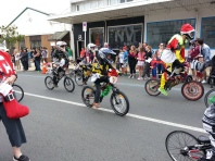 ... And kids on bikes