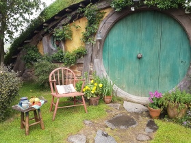 Waiting for a hobbit to return for his tea