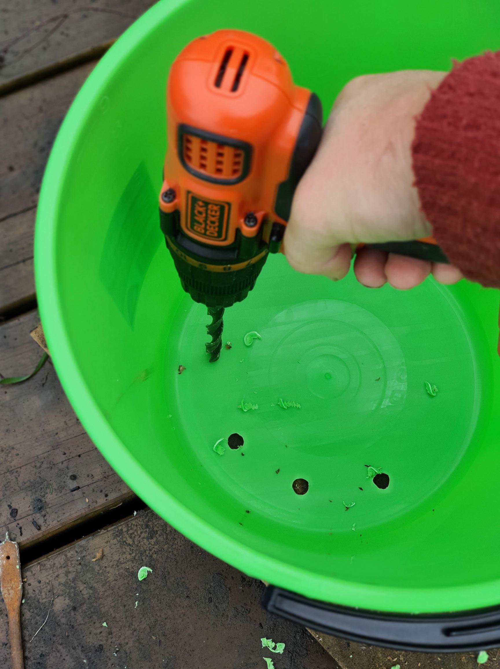 Making bucket pots